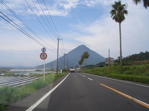 開聞岳-開聞岳と道路01